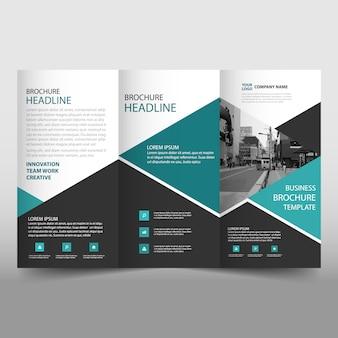 Zielony trifold leaflet broszura szablonu
