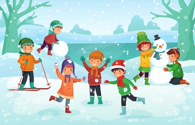 Zimowa zabawa dla dzieci. szczęśliwe słodkie dzieci bawiące się na zewnątrz. święta bożego narodzenia ilustracja kreskówka