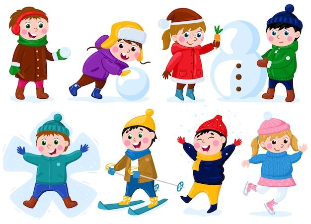 Zimowe zajęcia dla dzieci. śnieg aktywności na świeżym powietrzu, szczęśliwe dziewczynki i chłopcy, co bałwana i zestaw ilustracji wektorowych na nartach. świąteczne gry na świeżym powietrzu