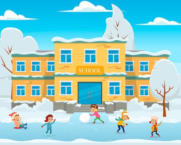 Zimowy krajobraz, budynek szkoły w śniegu i dzieci bawią się na szkolnym boisku. ilustracja.