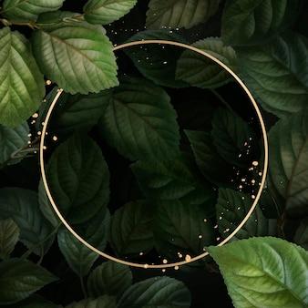 Złota rama na szablonie wektora tła wzór liści