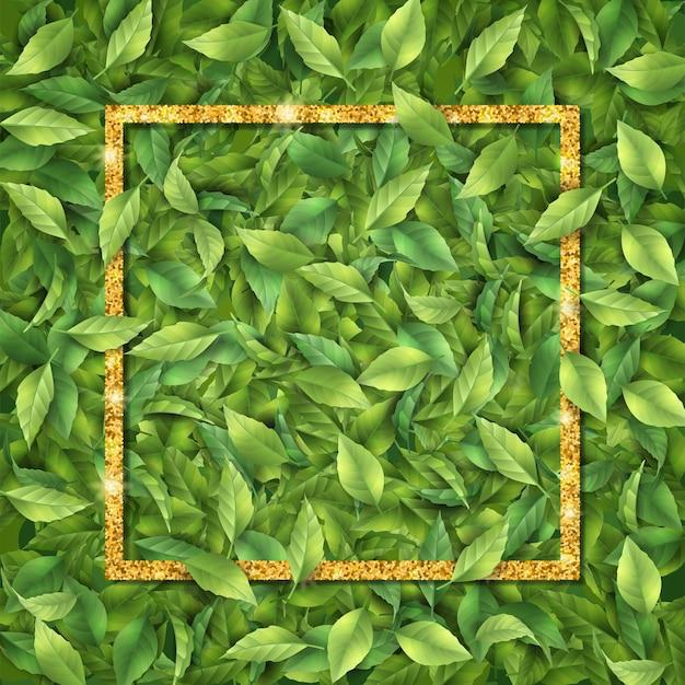 Złota rama na tle liści