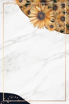 Złota ramka na białym marmurowym tle
