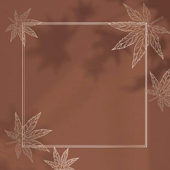 Złota ramka z wzorem liścia klonu