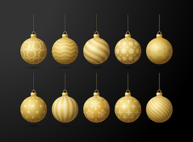 Złote choinki zabawki oe kulki ustawione na czarnym tle. pończochy ozdoby świąteczne. obiekt na święta, makieta. realistyczny obiekt ilustracji