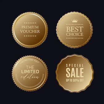 Złote etykiety ze złotą ramą nad beżem