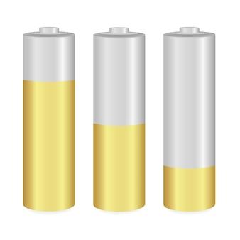 Złote i metaliczne baterie aa na białym tle