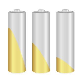 Złote i metalowe baterie aa na białym tle