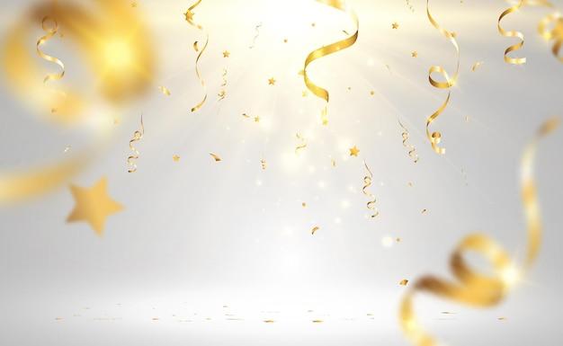Złote konfetti spada na piękne tło spadające serpentyny na scenie
