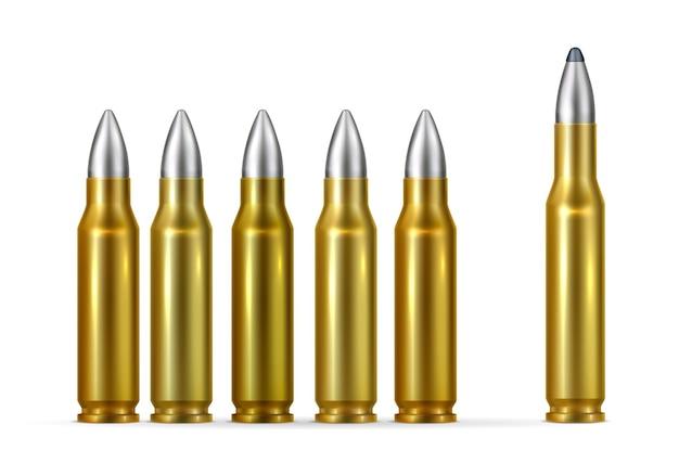 Złote kule ze stalowymi końcówkami realistyczne na białym tle
