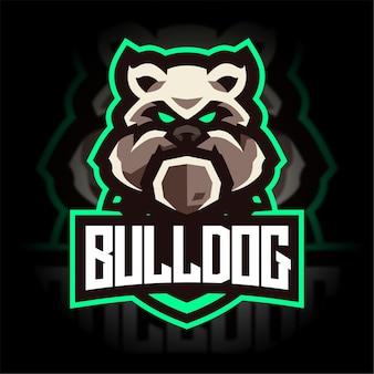 Zły buldog z logo gry maskotka tarczy