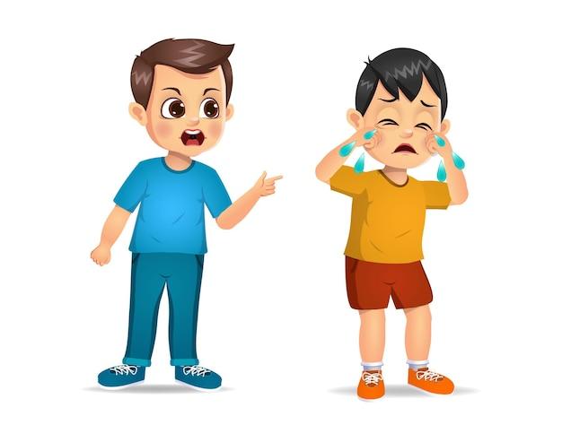 Zły dzieciak krzyczy na słodkiego chłopca. na białym tle