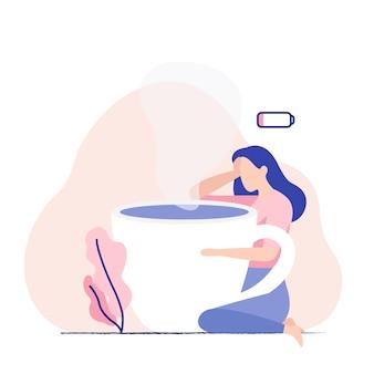 Zmęczona kobieta z gigantyczną filiżanką kawy. ilustracja koncepcja niskiej baterii.