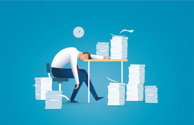 Zmęczony biznesmen. koncepcja przepracowania