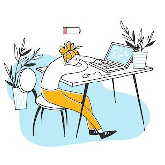 Zmęczony wyczerpany pracownik biurowy śpi przy komputerze
