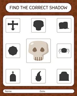 Znajdź odpowiednią grę cieni z czaszką. arkusz roboczy dla dzieci w wieku przedszkolnym, arkusz aktywności dla dzieci