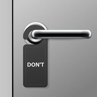 Znak nie przeszkadzać - wieszak na drzwi hotelu na klamce - nowoczesna klamka w motelu