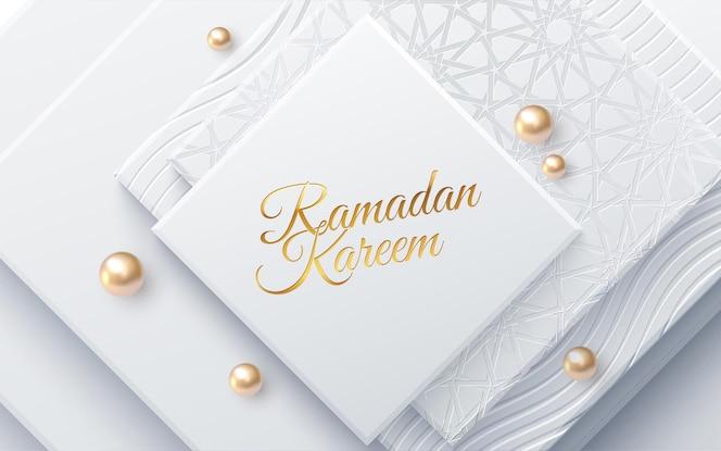 Znak wakacje ramadan kareem na białych geometrycznych kształtach i perłach