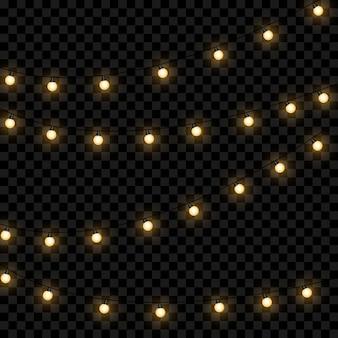 Żółte lampki choinkowe na białym tle realistyczne elementy projektu. świąteczne lampki na przezroczystym tle. świąteczna girlanda świecąca. ilustracji wektorowych.