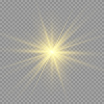 Żółte słońce z promieniami i blaskiem na przezroczystym tle. zawiera maskę przycinającą. blask światła. ilustracja wektorowa eps 10.