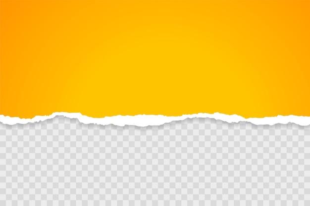Żółty arkusz podartego papieru na przezroczystym tle