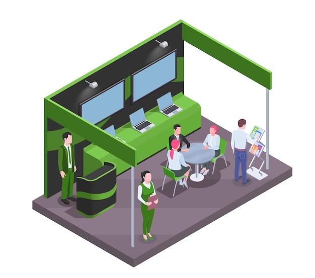Zwiedzający i pracownicy komunikujący się przy stoisku targowym z kompozycją izometryczną telewizorów i laptopów