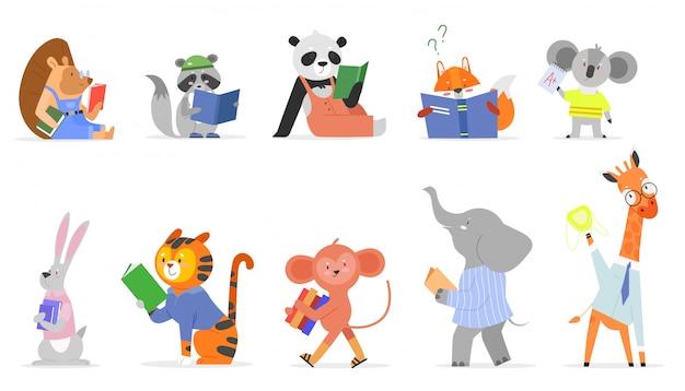 Zwierzęta czytać, studiować wektor zestaw ilustracji. kreskówka płaskie inteligentne dziecko zwierzęce studiujące, leśne lub zoo postać czytająca podręcznik lub książkę z opowieściami, urocza wiewiórka żyrafa słoń w szkole na białym tle