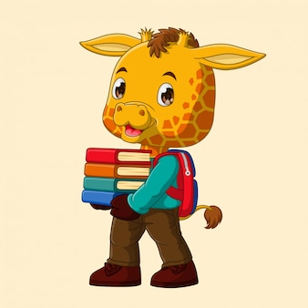 Żyrafa kreskówka niesie stos książek idących do szkoły