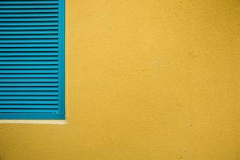 Ściana miasta z oknem