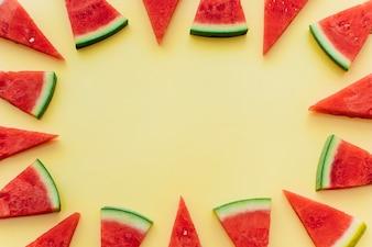 Żółty arbuza tło z copyspace