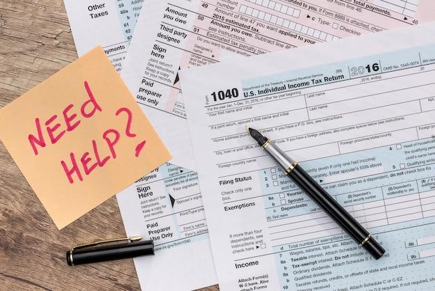 1040 formularz podatkowy z naklejką