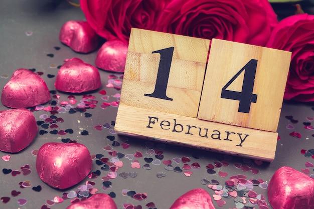 14 lutego w kalendarzu i dekoracjach na walentynki.