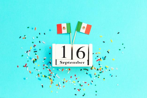 16 września drewniany kalendarzowy dzień niepodległości meksyku
