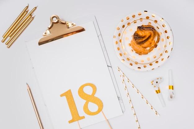 18. urodziny dostaw na białym tle