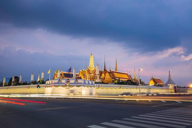 21 października 2019 bangkok, tajlandia wat phra kaew - świątynia szmaragdowego buddy