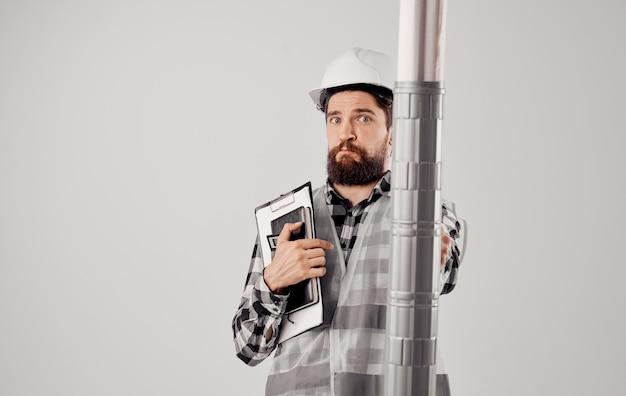 3d okulary wirtualnej rzeczywistości pomarańczowy twardy kapelusz mężczyzna w koszuli w kratę konstrukcja internetu.