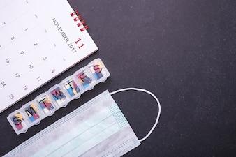 7-dniowy plastikowy organizer na pigułki