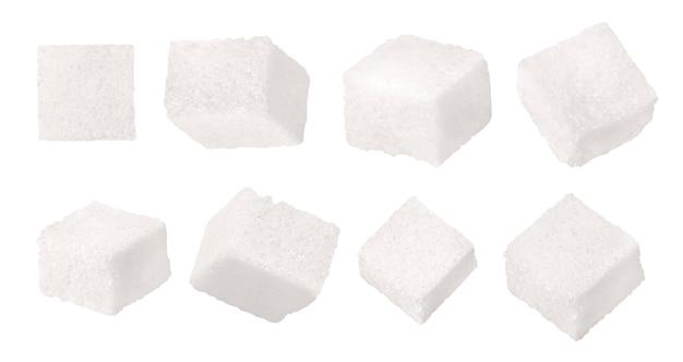 8 kwadratowych kostek cukru na białym tle