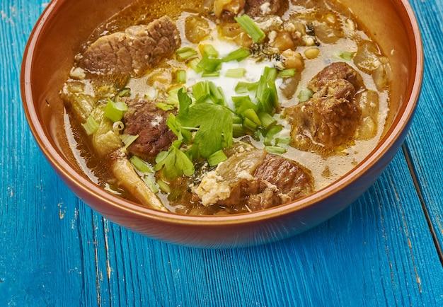 Abgousht bozbash - perski gulasz jagnięcy z ciecierzycą.