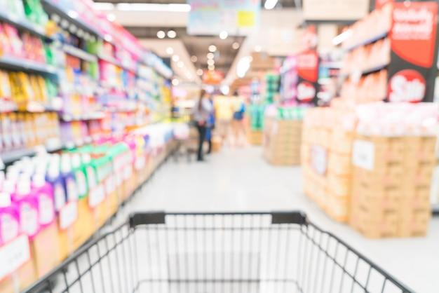 Abstrakcyjne rozmycie w supermarkecie