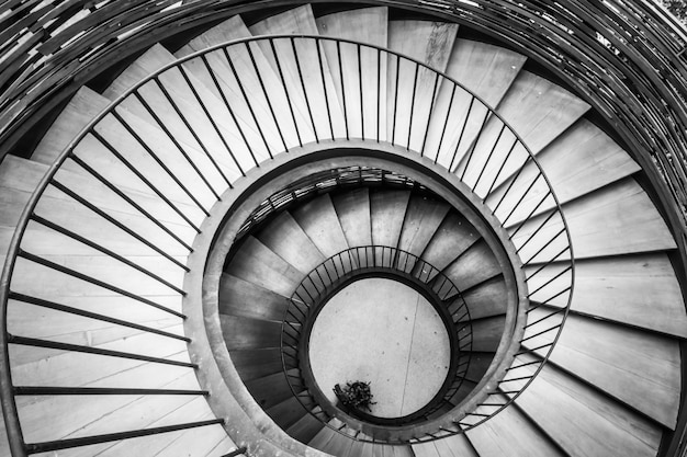 Abstrakcyjne schody schodów wnętrza budynku