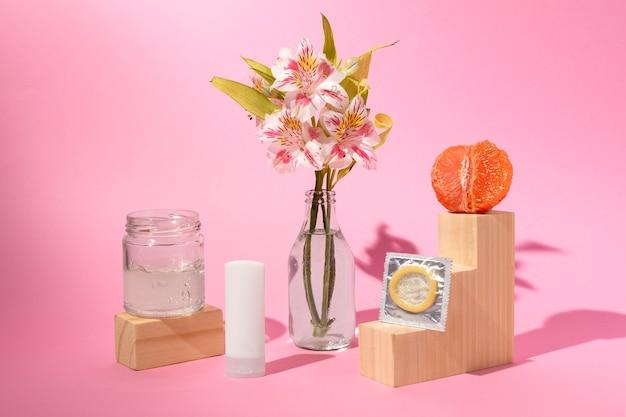 Abstrakcyjny asortyment zdrowia seksualnego z jedzeniem