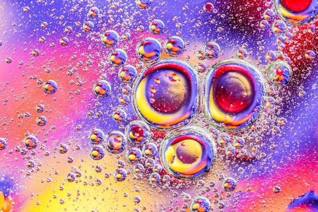 Abstrakt z kolorowymi gradientowymi kolorami. krople oleju w wodzie abstrakcyjny obraz psychodeliczny wzór.