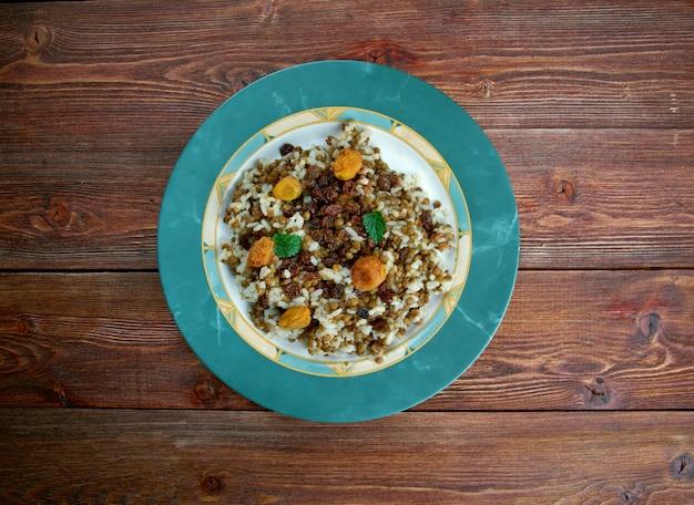 Adas polow - tradycyjne dania irańskie, pilaw z ryżu i soczewicy