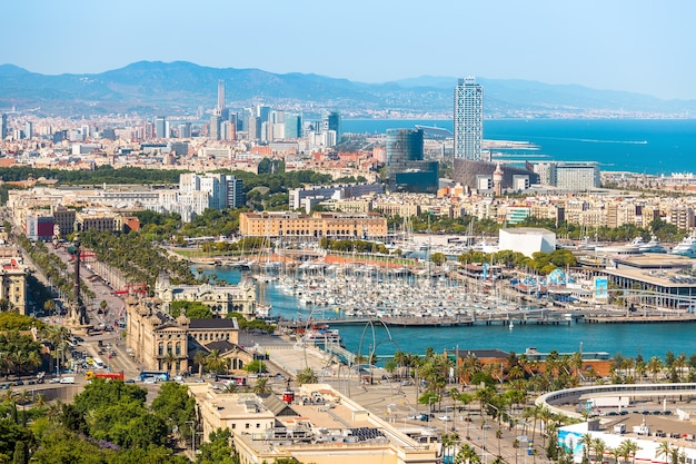 Aeria widok barcelona miasto i plaża, hiszpania