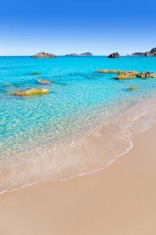 Aiguas blanques agua blanca ibiza plaża