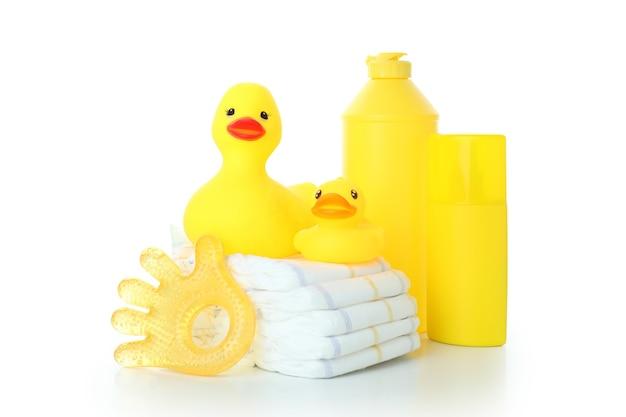 Akcesoria do higieny dla niemowląt na białym tle