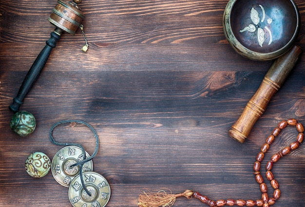 Akcesoria do masażu dźwiękowego. tybetańskie miski do śpiewania