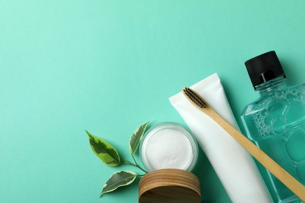 Akcesoria do pielęgnacji jamy ustnej w kolorze miętowym