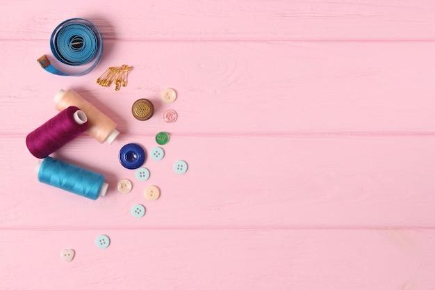 Akcesoria do szycia zbliżenia hobby tkaniny i nici do szycia